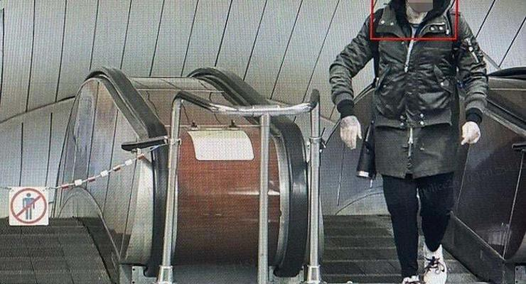В киевском метро иностранец угрожал пассажирам пистолетом