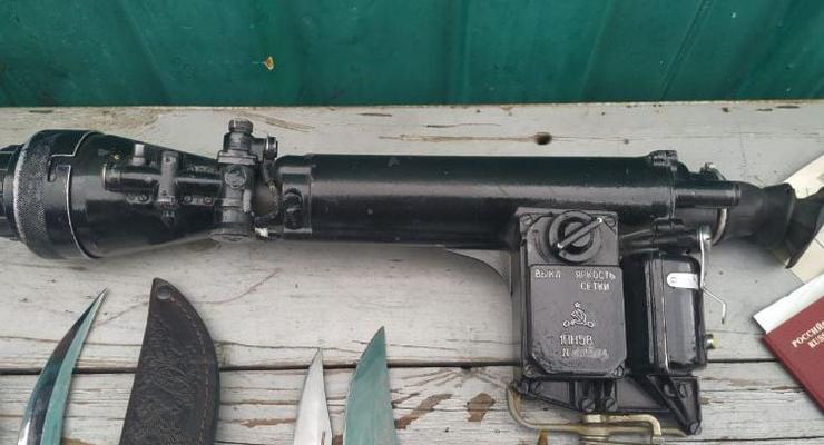 На границе с Россией у женщины нашли ночной снайперский прицел