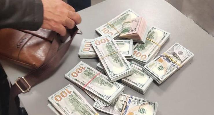 Иностранец украл у товарища 105 тыс долларов и пытался сбежать из Украины