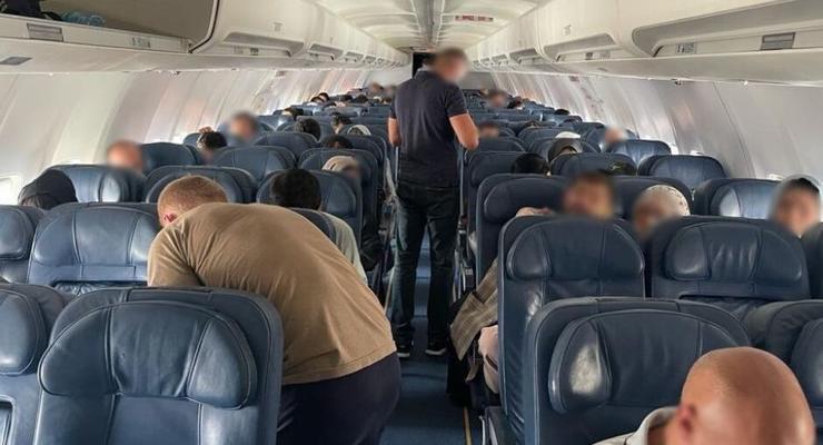 Из Афганистана вылетел эвакуационный самолет с украинцами