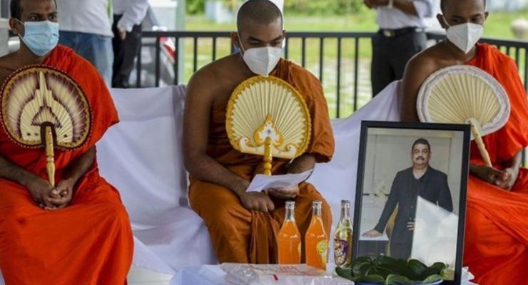 """На Шри-Ланке умер создатель """"зелья"""" от COVID-19"""