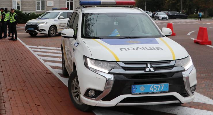 В Киеве голый парень напал на посетителей кафе