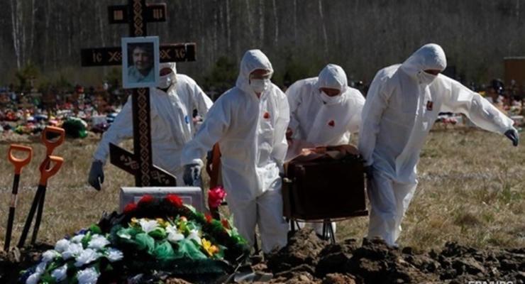 В России пять дней подряд более 800 COVID-смертей