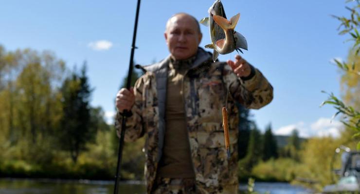Огромные маралы. СМИ показали отдых Путина с Шойгу