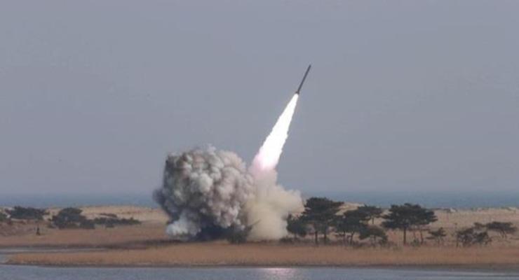 Северная Корея запустила неопознанный снаряд