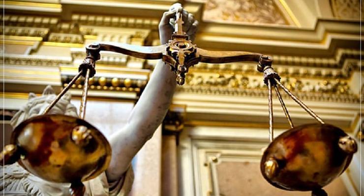 В Киеве адвокат подделал документы и присвоил две квартиры