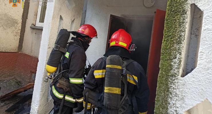 В Хмельницком во время пожара в многоэтажке спасли шесть человек