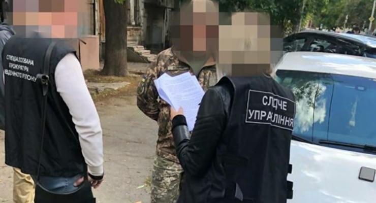 На Николаевщине задержали военного, устроившего масштабную продажу оружия