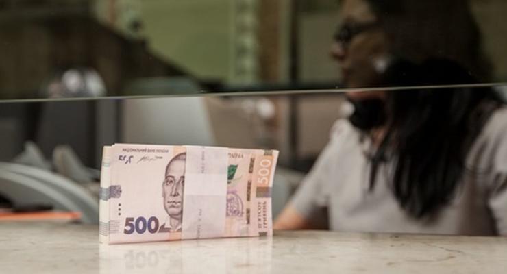 Реальная зарплата в Украине за год выросла на 11%