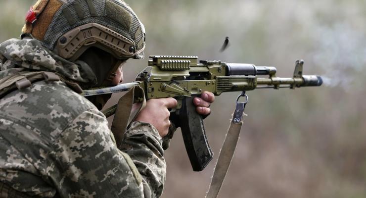 На передовой бойцы ВСУ задержали россиянина с оружием