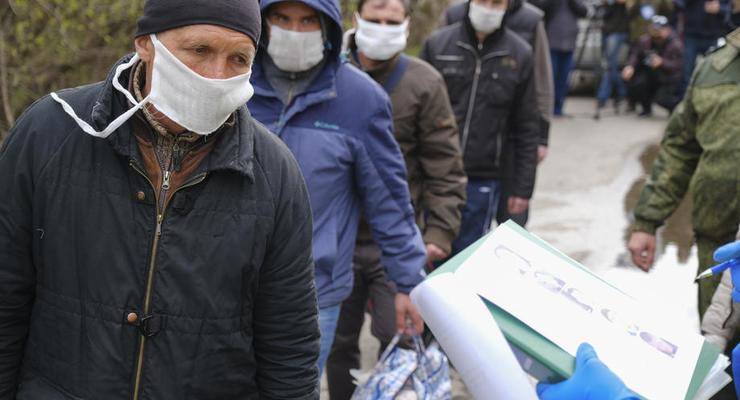 Оккупанты отказались пускать пенсионеров через КПВВ на Донбассе