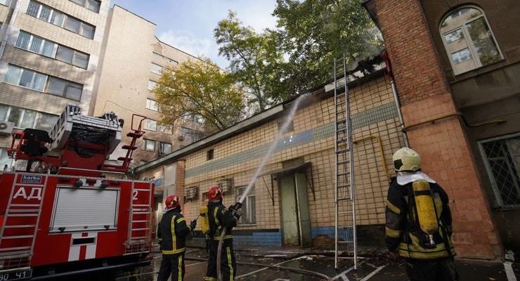 В Киеве горело здание больницы Института урологии