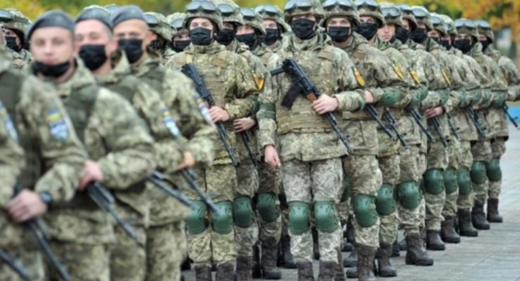 В Луганской области впервые за 30 лет прошел военный парад